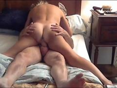 Amateur MILF slut met on Milfsexdating Net