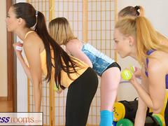 FitnessRooms Lesbian lovers make each other cum after gym class