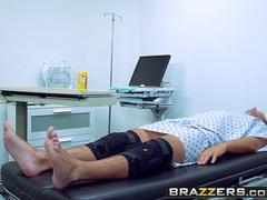 Brazzers - Doctor Adventures - Brooke Brand and Keiran Lee - Forest Hump