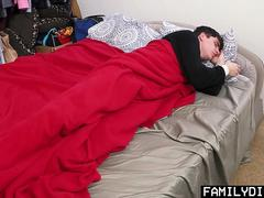 FamilyDick - Muscle bear daddy barebacks teenage stepson
