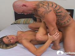 Cock sucking and bouncing from his hot babe