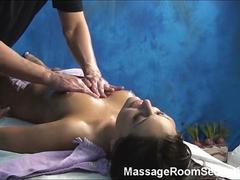 Hot girl recorded in massage room hidden cam