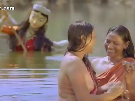 Girls hot bathing mallu