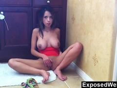 Latin Beauty Masturbates During Cam Show