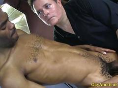 Black gaystraight amateur gets a handjob HD
