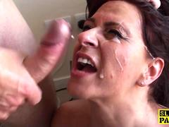 BDSM Brit Amber Rodgers squirts before facial