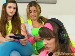 Gamergirls dominating black dick in fourway
