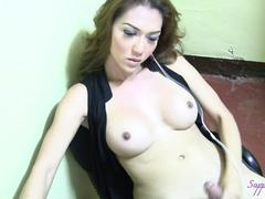 Sapphire Young the Asian Tranny sinsation!