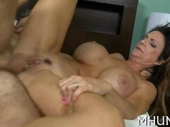 Mature used up MILF gets her trimmed pussy fucked