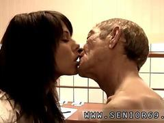 Old man fucks young ebony xxx Dokter Petra is investigating the health problem of Cees