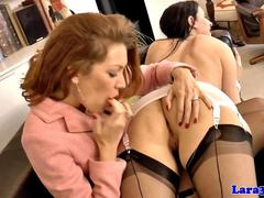 Classy mature brit queened by posh babe