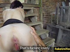Amateur UK broad fucked by dodgy cop outdoors