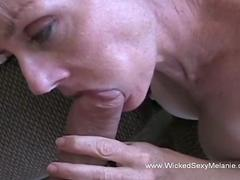 Teen chick gets rammed in a closeup