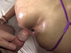 Creampie From A Bareback Cock