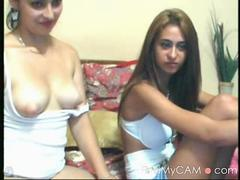 pakistani chicks strips naked on cam video