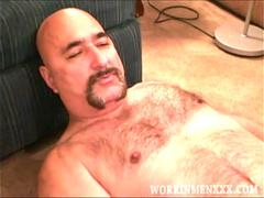 mature amateur john jacks off feature