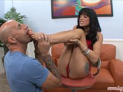 Sadie West Gives A Hot Foot Job