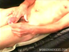 Mature Amateur Spencer Beats Off