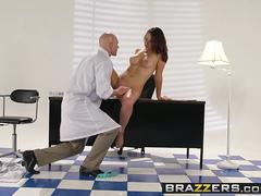 Brazzers - Teens Like It Big - Samm Rosee Johnny Sins - Dicked by the Docto