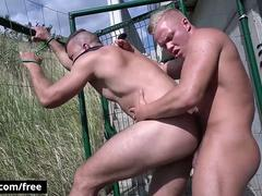 Bromo - Body Gold with Dee at Under The Bridge Scene 1