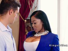 Guy bangs big booty ebony estate agent