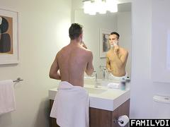 FamilyDick - Shy Son Get Taught By Daddy to Shave