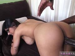 Hot arab hd Mia Khalifa Tries A Big Black Dick