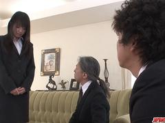 Kotomi Asakura amazing threesome with two males - More at Japanesemamas.com