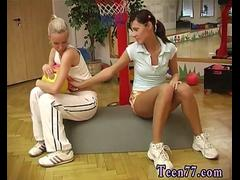 Lesbian pee show Cindy and Amber nailing each other in the gym