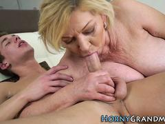 Grannies hairy vag jizzed