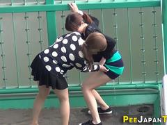 Urinating japanese babe