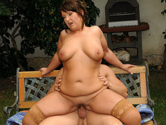 Mature BBW fucks in the garden